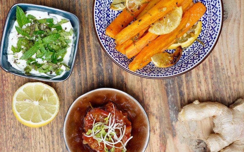 Ingwer-Möhren mit Raz el Hanout, Minzquark und Tomaten-Chili-Chutney