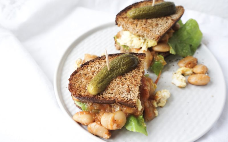 Baked Beans Sandwich mit Rührei